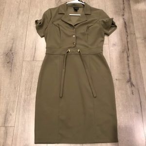 OLIVE MIS DRESS WITH GOLD BUTTON ACCENTS SIZE 8